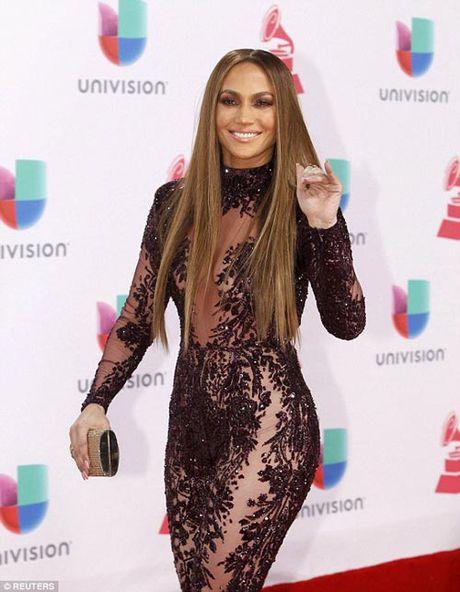 Jennifer Lopez goi cam 'quen sau' o tuoi U50 - Anh 4