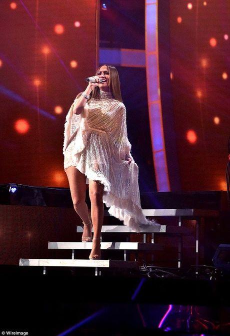 Jennifer Lopez goi cam 'quen sau' o tuoi U50 - Anh 7