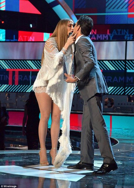 Jennifer Lopez goi cam 'quen sau' o tuoi U50 - Anh 8
