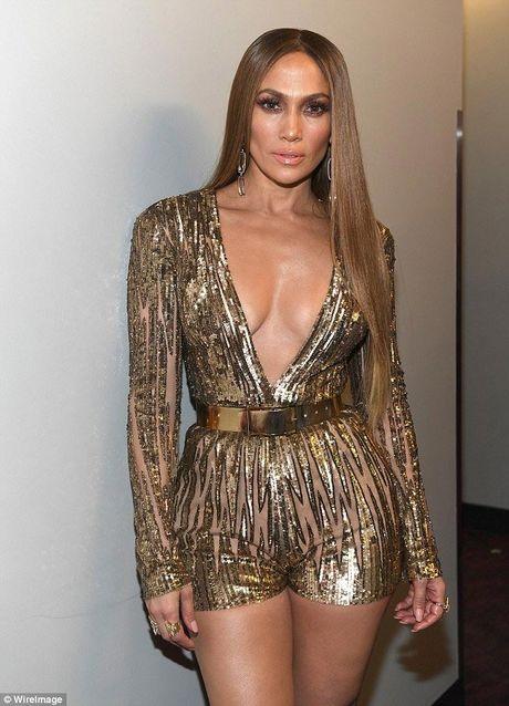 Jennifer Lopez goi cam 'quen sau' o tuoi U50 - Anh 9