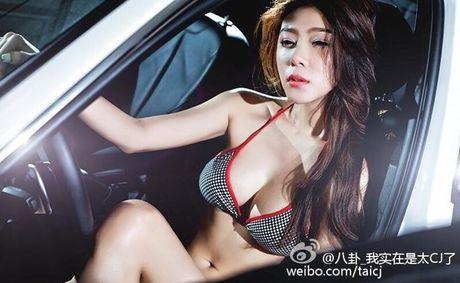 Duong cong boc lua cua hoa hau vung trom voi tay vot Lin Dan - Anh 2