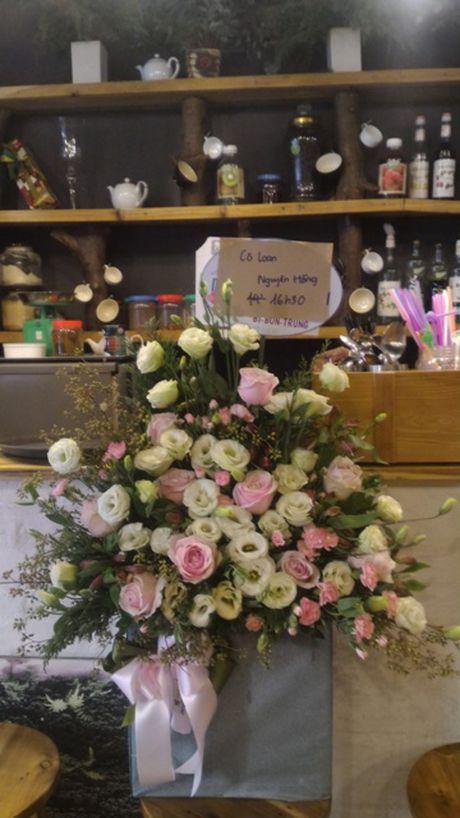 Thi truong hoa chuc mung 20.11: Hoa huong duong, hoa hong len ngoi - Anh 2