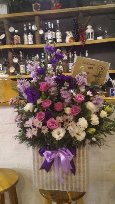 Thi truong hoa chuc mung 20.11: Hoa huong duong, hoa hong len ngoi - Anh 3