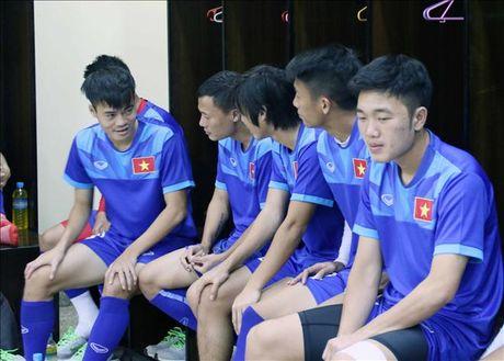 Tuan Anh noi gi khi bi HLV Huu Thang loai khoi AFF Cup 2016? - Anh 1