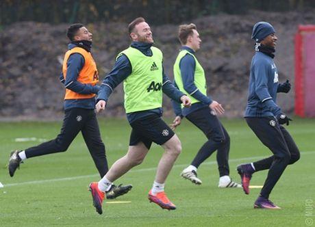 Chum anh: Mourinho va hoc tro tuoi nhu hoa, san sang ha Arsenal - Anh 3