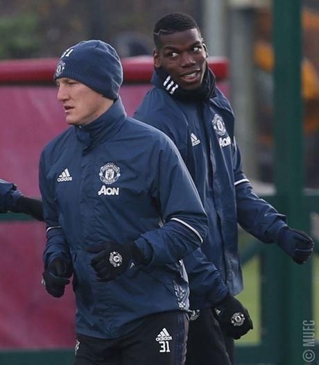 Chum anh: Mourinho va hoc tro tuoi nhu hoa, san sang ha Arsenal - Anh 4