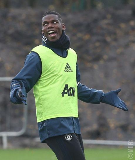 Chum anh: Mourinho va hoc tro tuoi nhu hoa, san sang ha Arsenal - Anh 5