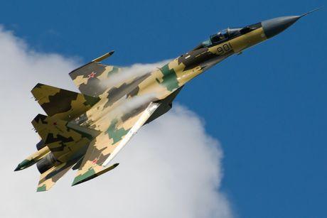 Giai ma chiec tiem kich P-42 day bi an, giong het Su-27 - Anh 10