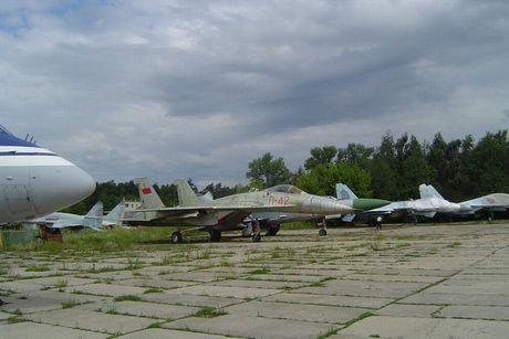 Giai ma chiec tiem kich P-42 day bi an, giong het Su-27 - Anh 6
