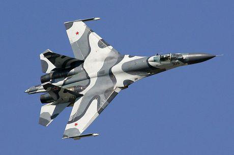 Giai ma chiec tiem kich P-42 day bi an, giong het Su-27 - Anh 7