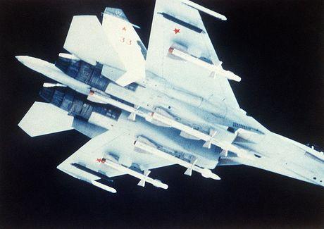 Giai ma chiec tiem kich P-42 day bi an, giong het Su-27 - Anh 9