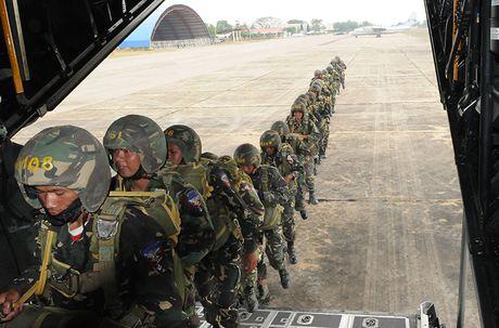 Campuchia bat ngo tang 19% ngan sach quoc phong nam 2017 - Anh 2