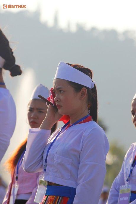 Phu nu Muong xinh dep trong man trinh dien chieng lap ky luc - Anh 4
