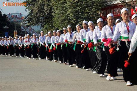 Phu nu Muong xinh dep trong man trinh dien chieng lap ky luc - Anh 7
