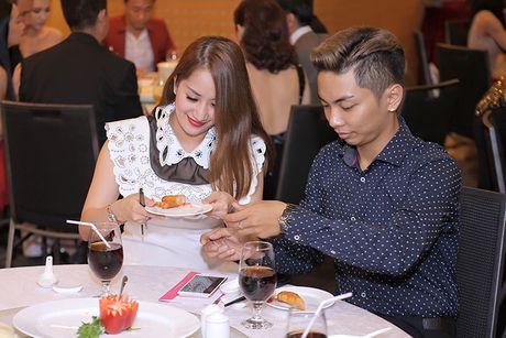 Phat ghen cach Phan Hien cham soc Khanh Thi - Anh 4