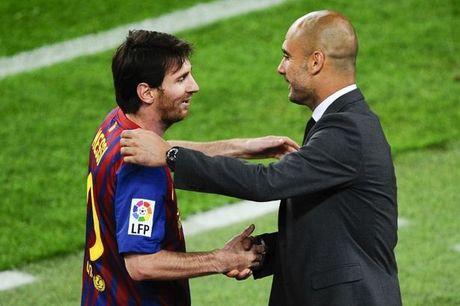 Messi bo tien tui tra luong cho nhan vien an ninh tuyen quoc gia - Anh 2