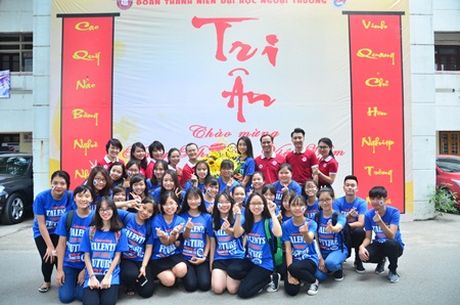 Hoa hau Do My Linh muon duoc cac thay co doi xu binh thuong - Anh 5
