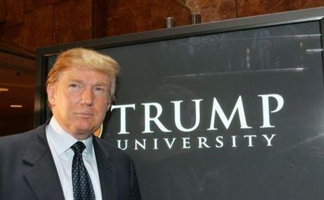 Donald Trump tra 25 trieu USD de dan xep vu kien Dai hoc Trump - Anh 1