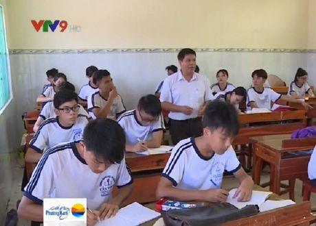 "Hanh trinh ""mang"" chu toi lop hoc cap 3 dau tien tren xa dao Thanh An - Anh 1"