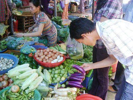 Nguoi Da Nang an rau, thit khong ro xuat xu, Thu truong Bo Nong nghiep phai vao cuoc! - Anh 1