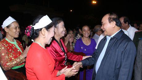 Thu tuong du Ngay hoi Dai doan ket toan dan tai Hoa Binh - Anh 1