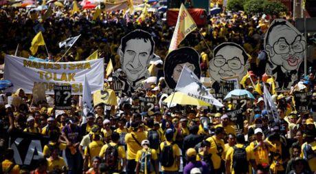 Hang ngan nguoi Malaysia bieu tinh doi Thu tuong Najib Razak tu chuc - Anh 1