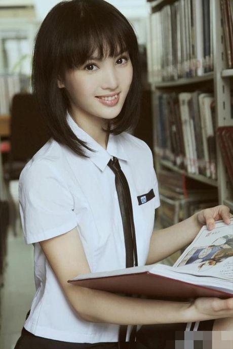Nhung scandal 'cuop vai' on ao nhat lang giai tri Hoa ngu - Anh 2