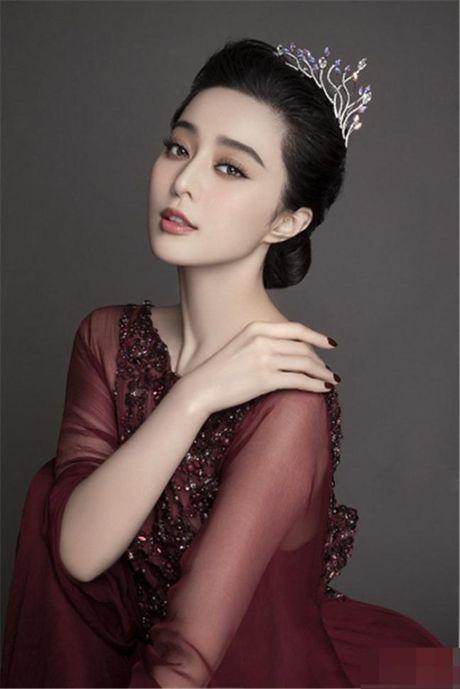 Nhung scandal 'cuop vai' on ao nhat lang giai tri Hoa ngu - Anh 4