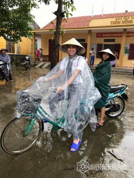 Gu thoi trang doi thuong dep hut hon cua Pham Huong - Anh 18