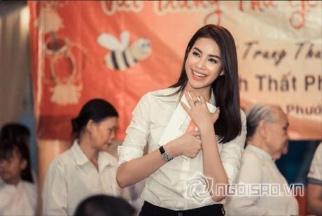 Gu thoi trang doi thuong dep hut hon cua Pham Huong - Anh 23