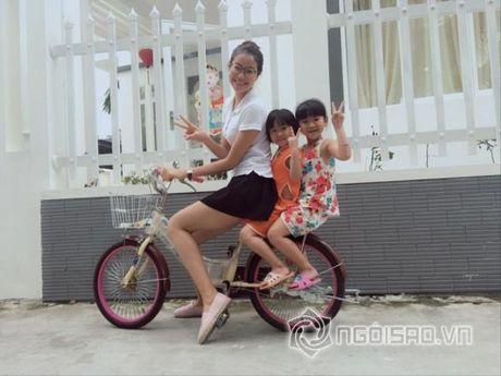 Gu thoi trang doi thuong dep hut hon cua Pham Huong - Anh 7