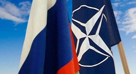 NATO: Khong co cach nao co lap duoc nuoc Nga - Anh 2