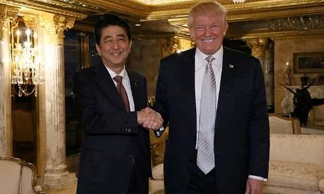 Trump lai bo roi bao chi My trong cuoc gap Thu tuong Nhat - Anh 1
