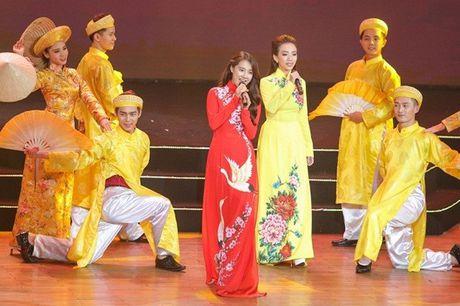 Chang can dam da hoi long lay, Nha Phuong dien ao dai cung khien fan me met - Anh 10