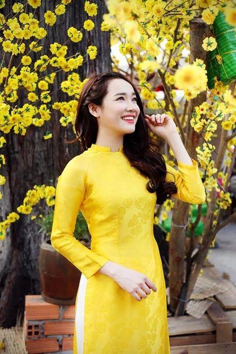 Chang can dam da hoi long lay, Nha Phuong dien ao dai cung khien fan me met - Anh 12
