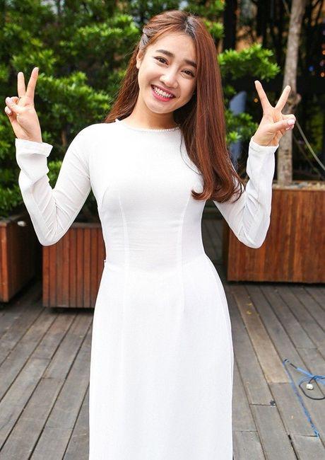 Chang can dam da hoi long lay, Nha Phuong dien ao dai cung khien fan me met - Anh 1