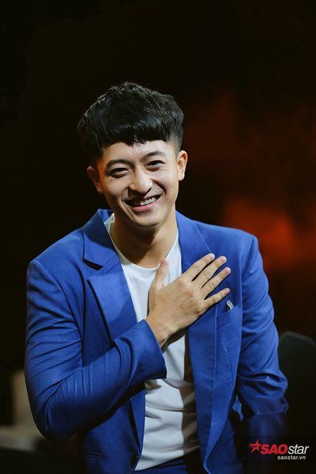 Den tre, Harry Lu khoc nuc no goi dien cho Anh Tu vi khong ai toi du hop fan - Anh 9