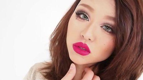 Hoc cach make up kieu Tay cho co nang khong chan may, mi mat nong - Anh 16