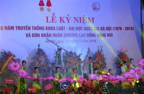 Khoa Luat – Dai hoc Quoc gia Ha Noi don nhan Huan chuong lao dong hang Nhi - Anh 6