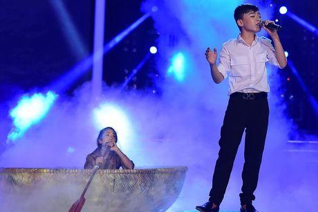 Hoai Linh khien khan gia cuoi bo khi 'khen' thi sinh hat tieng Hoa nhu tieng Campuchia - Anh 3