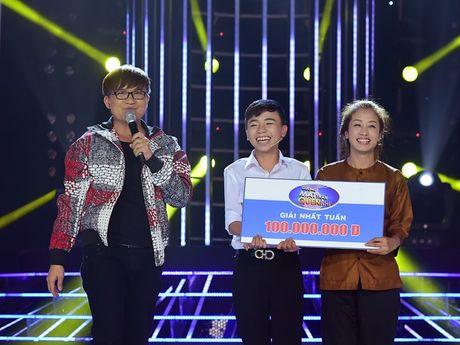 Hoai Linh khien khan gia cuoi bo khi 'khen' thi sinh hat tieng Hoa nhu tieng Campuchia - Anh 4