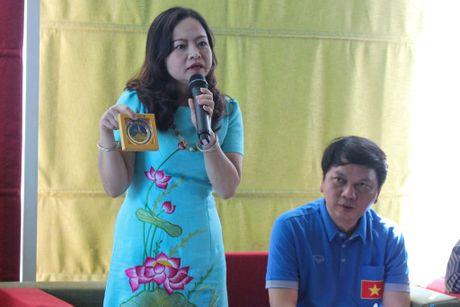 Huu Thang keu goi nguoi Viet tai Myanmar den san co vu - Anh 2