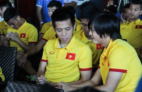Huu Thang keu goi nguoi Viet tai Myanmar den san co vu - Anh 4