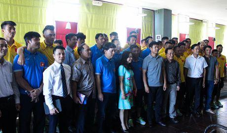 Huu Thang keu goi nguoi Viet tai Myanmar den san co vu - Anh 5