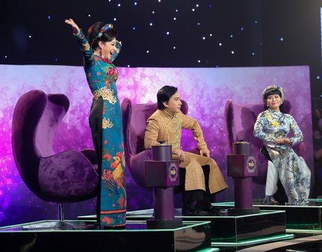 Toi nay Ngoc Huyen chinh thuc tai ngo khan gia qua tivi - Anh 2