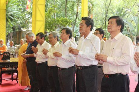 Lanh dao tinh Khanh Hoa vieng Pho Phap chu Thich Thien Binh - Anh 2