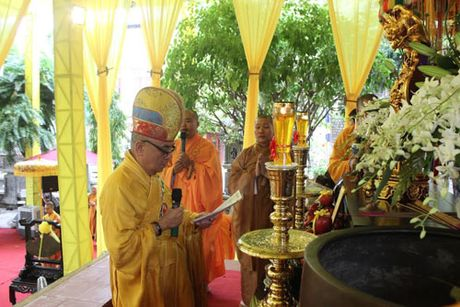 Lanh dao tinh Khanh Hoa vieng Pho Phap chu Thich Thien Binh - Anh 4