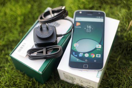Mo hop Moto Z Play, camera 16 MP vua ve VN - Anh 2