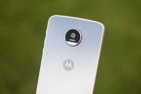 Mo hop Moto Z Play, camera 16 MP vua ve VN - Anh 4
