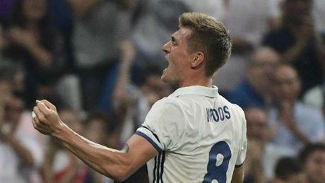 Ronaldo bi loai khoi sieu doi hinh derby Madrid - Anh 7